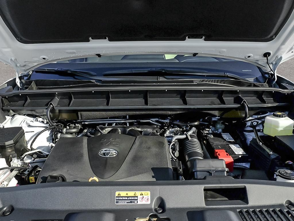 White[Blizzard Pearl] 2021 Toyota Highlander Engine Compartment Photo in Kelowna BC