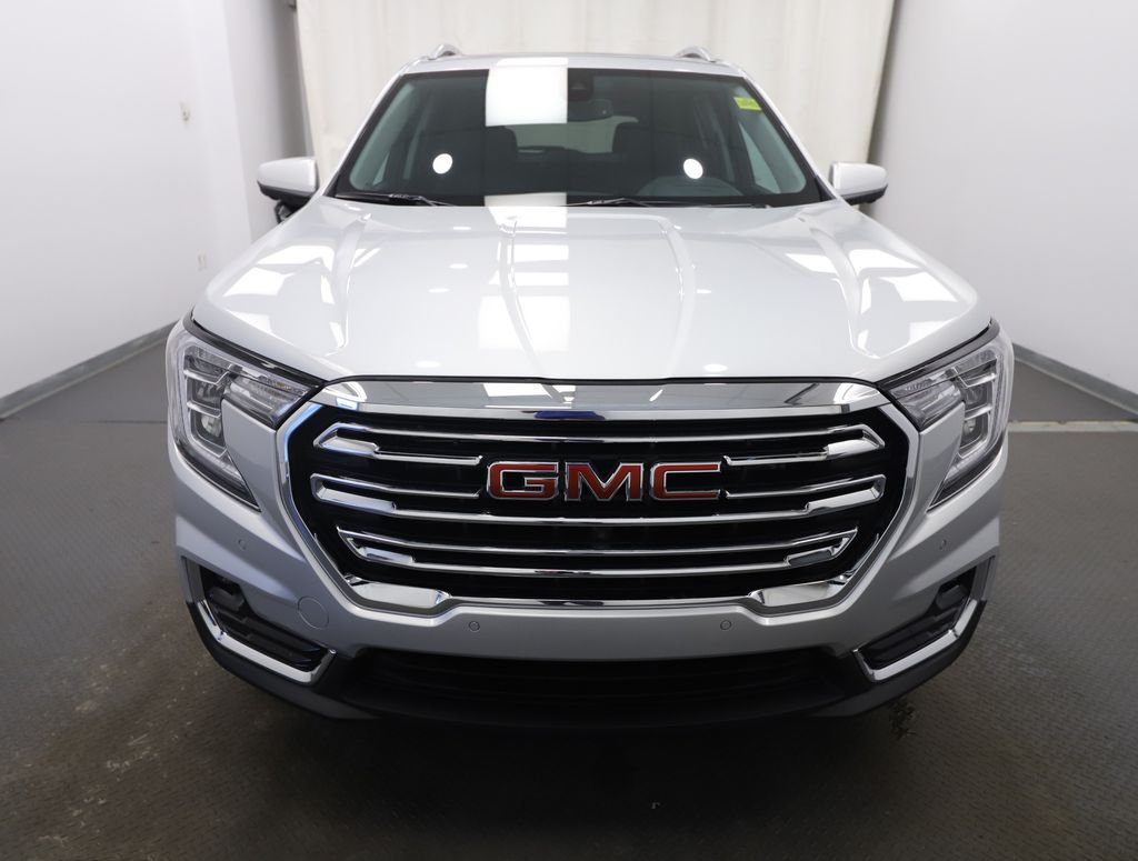 Silver 2022 GMC Terrain Front Vehicle Photo in Lethbridge AB