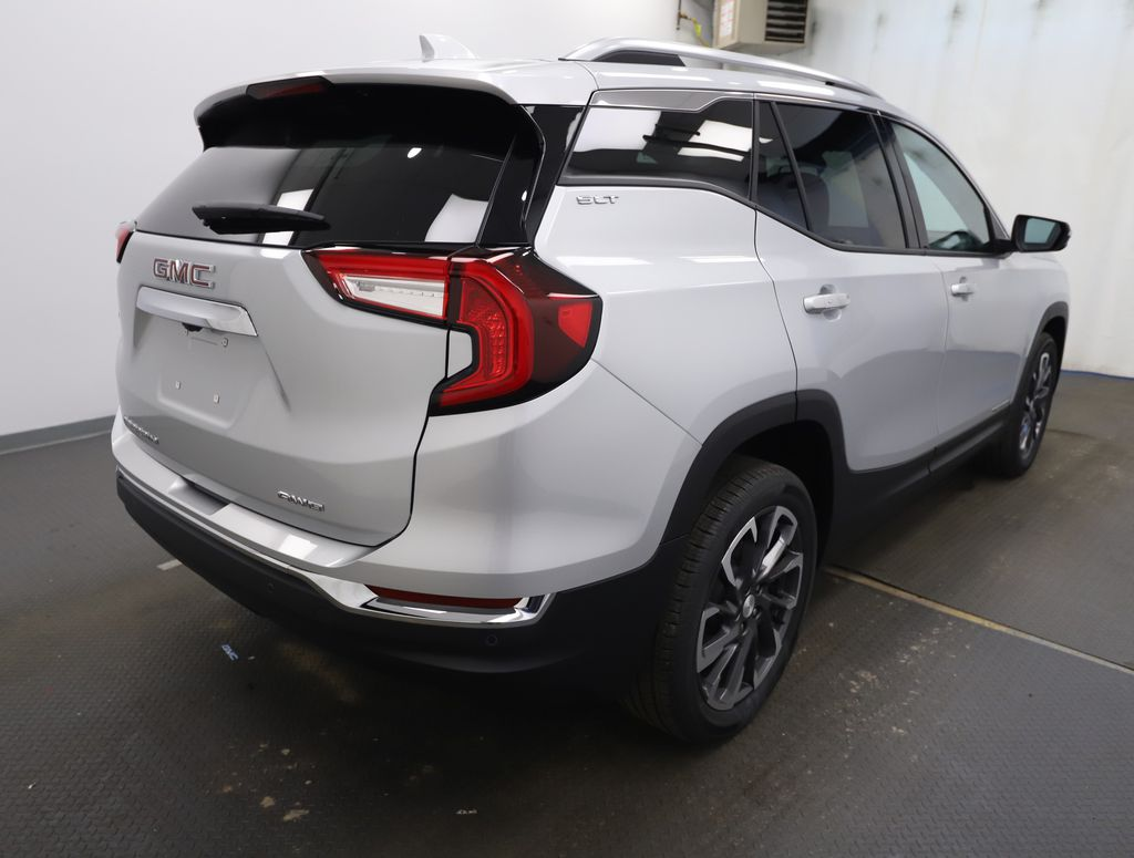 Silver 2022 GMC Terrain Left Front Rim and Tire Photo in Lethbridge AB