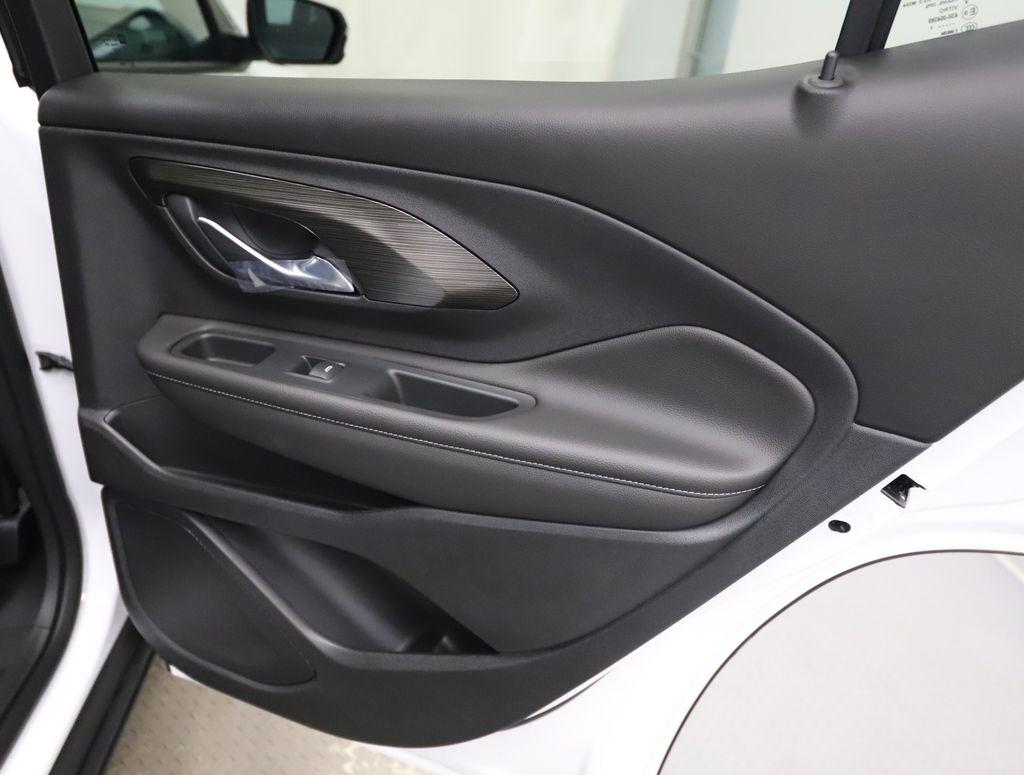 White 2022 GMC Terrain Apple Carplay/Android Auto Photo in Lethbridge AB