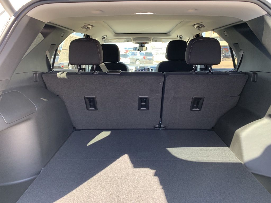 White 2021 Chevrolet Equinox Driver's Side Door Controls Photo in Brooks AB
