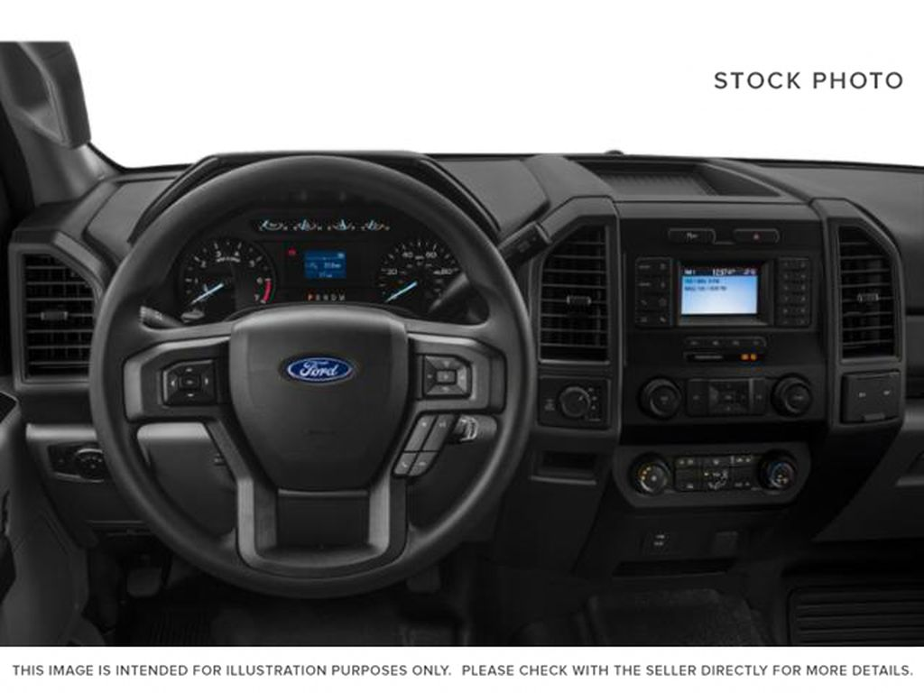 White[Oxford White] 2021 Ford Super Duty F-350 SRW Steering Wheel and Dash Photo in Fort Macleod AB