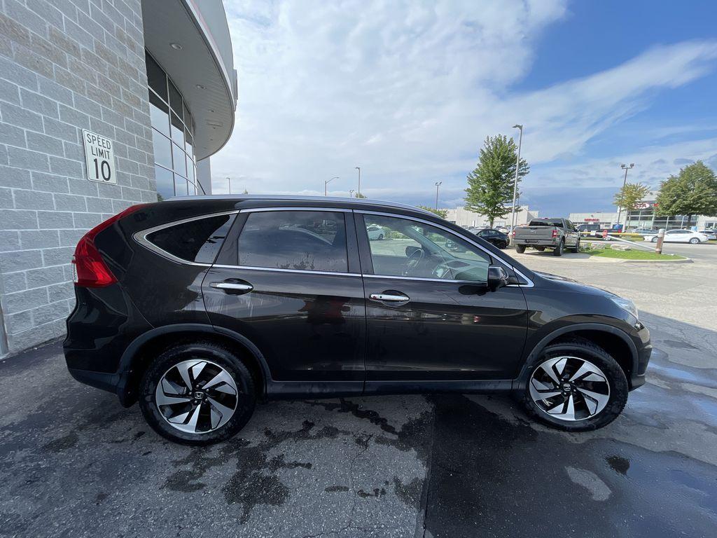 Dark Brown 2016 Honda CR-V Front Vehicle Photo in Brampton ON