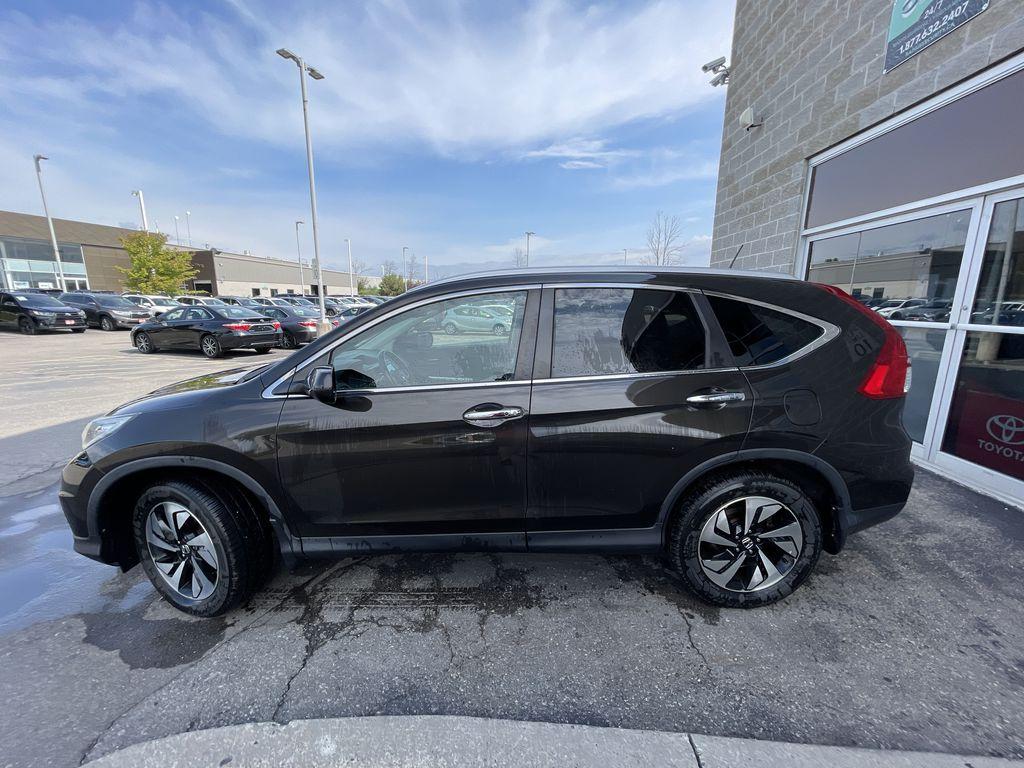 Dark Brown 2016 Honda CR-V Left Front Rim and Tire Photo in Brampton ON