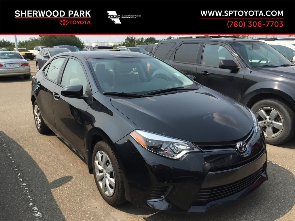 Black[Black Sand Pearl] 2016 Toyota Corolla LE LOW KMS