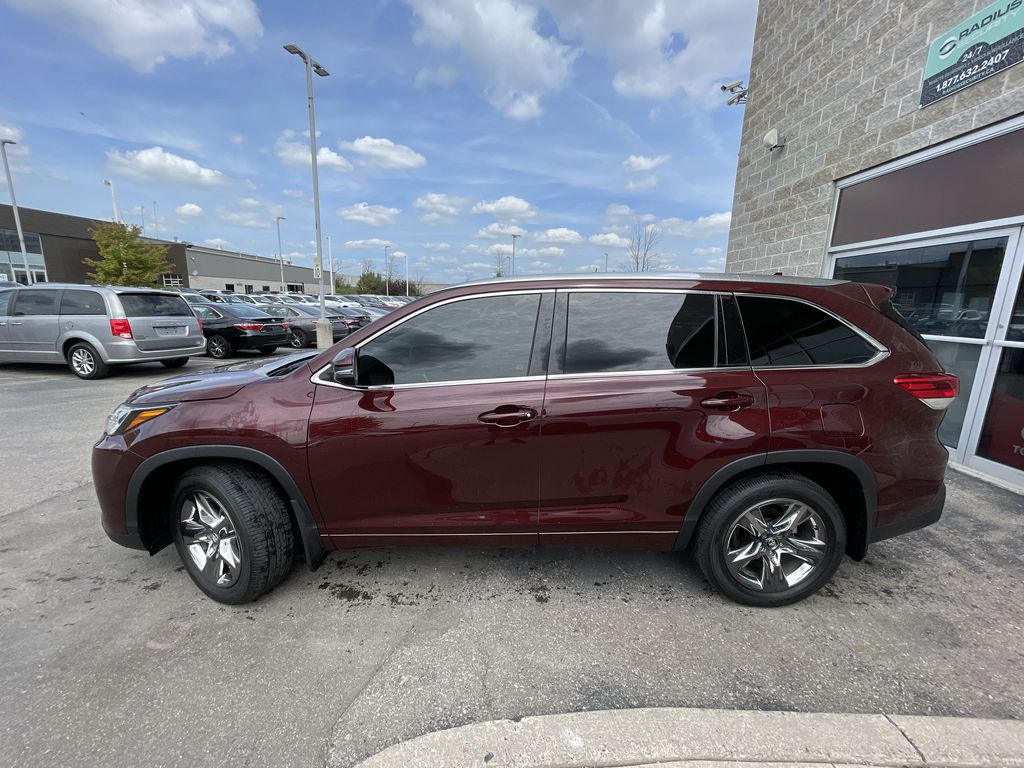 Red[Ooh La La Rouge Mica] 2019 Toyota Highlander Left Front Rim and Tire Photo in Brampton ON