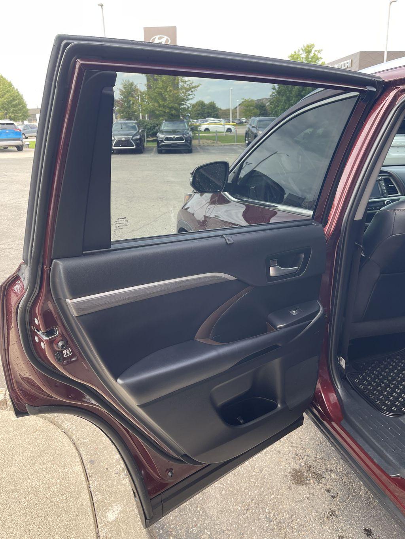 Red[Ooh La La Rouge Mica] 2019 Toyota Highlander Left Rear Interior Door Panel Photo in Brampton ON