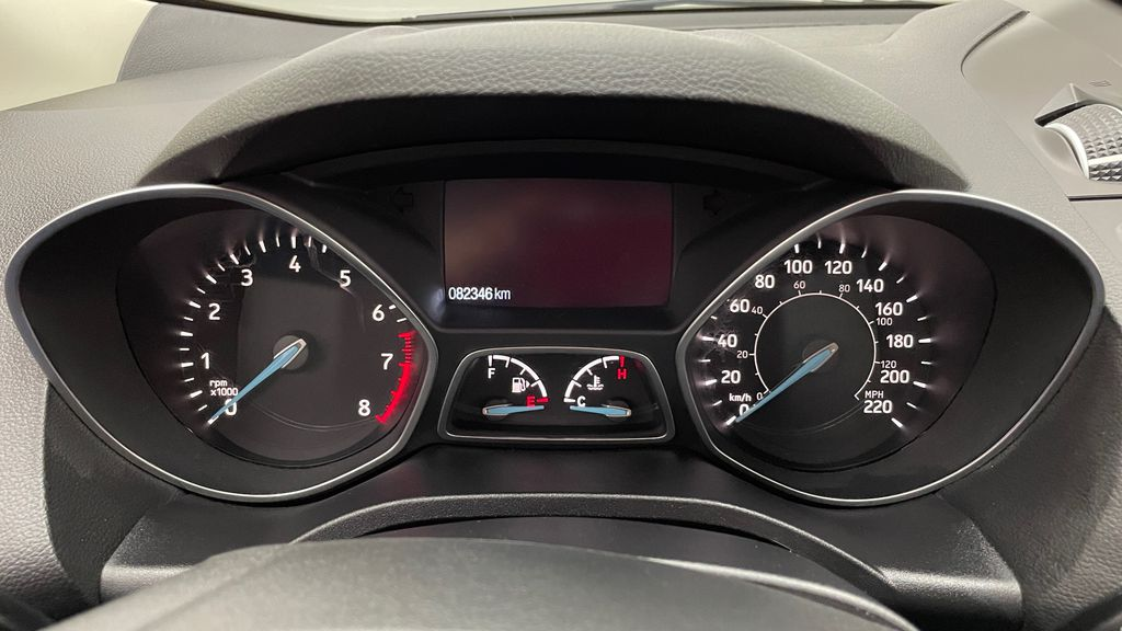 Gray[Magnetic] 2017 Ford Escape SE 4WD - Sport Package w/ Black Wheels / Grille Odometer Photo in Winnipeg MB