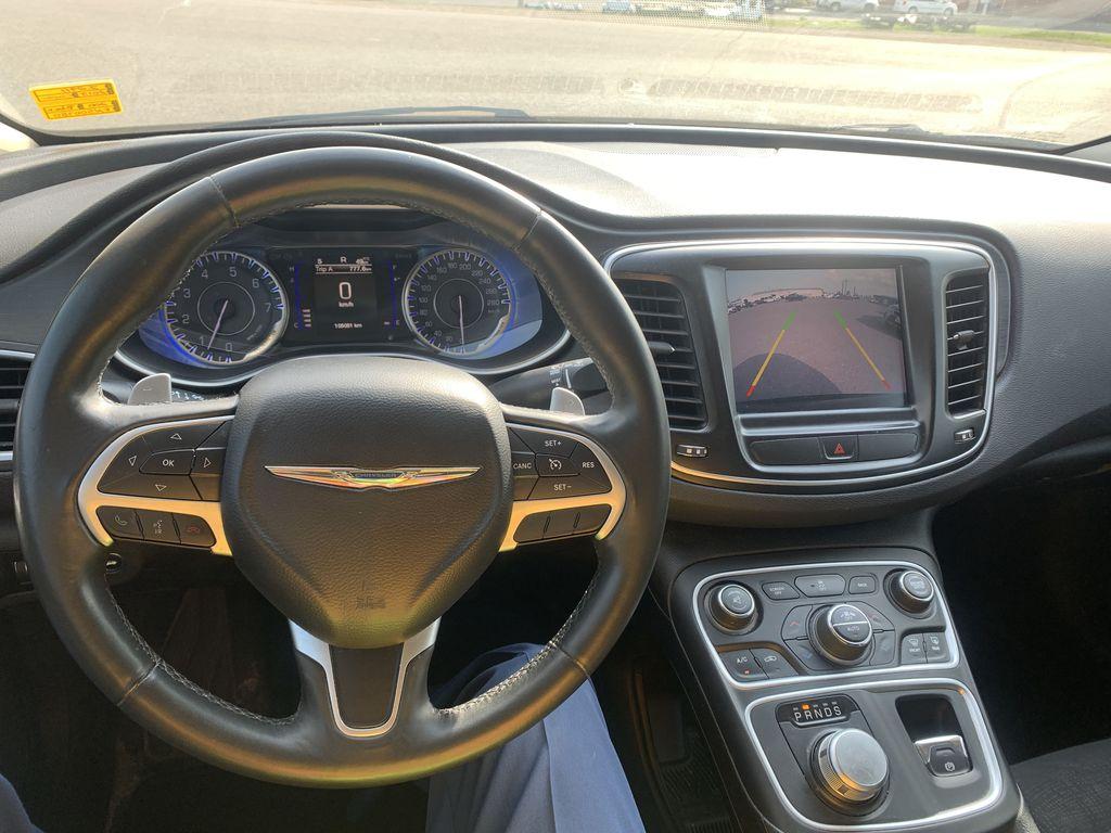 Black[Gloss Black] 2015 Chrysler 200 Steering Wheel and Dash Photo in Brandon MB