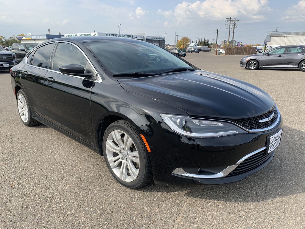 Black[Gloss Black] 2015 Chrysler 200 Right Front Corner Photo in Brandon MB