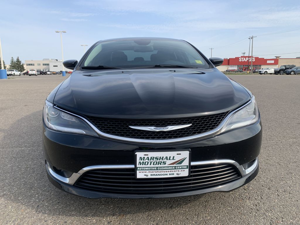 Black[Gloss Black] 2015 Chrysler 200 Front Vehicle Photo in Brandon MB