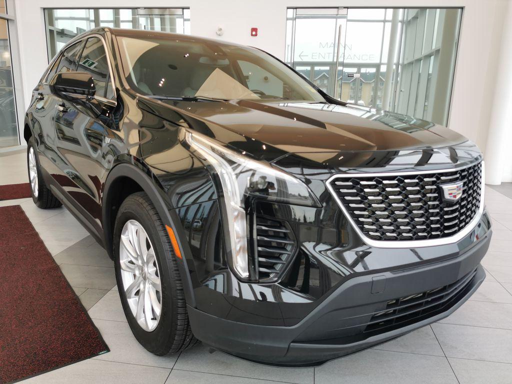 Black[Stellar Black Metallic] 2019 Cadillac XT4 Right Front Corner Photo in Edmonton AB