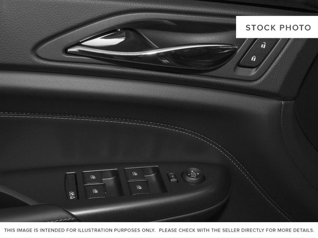2016 Cadillac SRX Left Front Interior Door Panel Photo in Medicine Hat AB