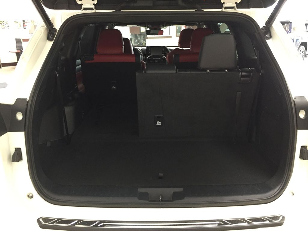White[Blizzard Pearl] 2021 Toyota Highlander XSE AWD Cargo Area/Rear Seats Photo in Sherwood Park AB