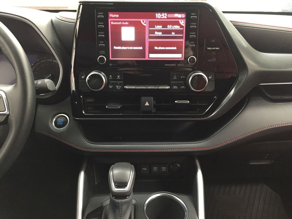 White[Blizzard Pearl] 2021 Toyota Highlander XSE AWD Central Dash Options Photo in Sherwood Park AB