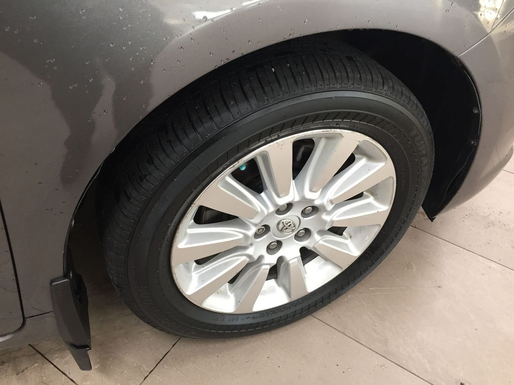 Gray[Pre-Dawn Grey Mica] 2014 Toyota Sienna XLE AWD Right Front Rim and Tire Photo in Sherwood Park AB