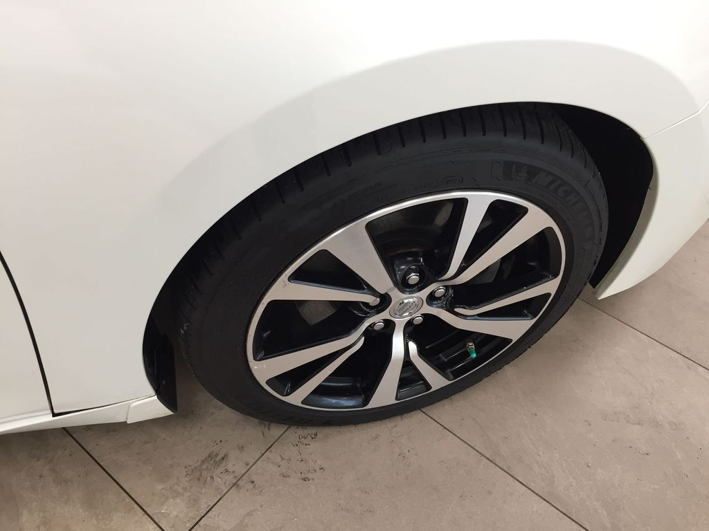 White[Pearl White] 2018 Nissan Maxima SV Right Front Rim and Tire Photo in Sherwood Park AB