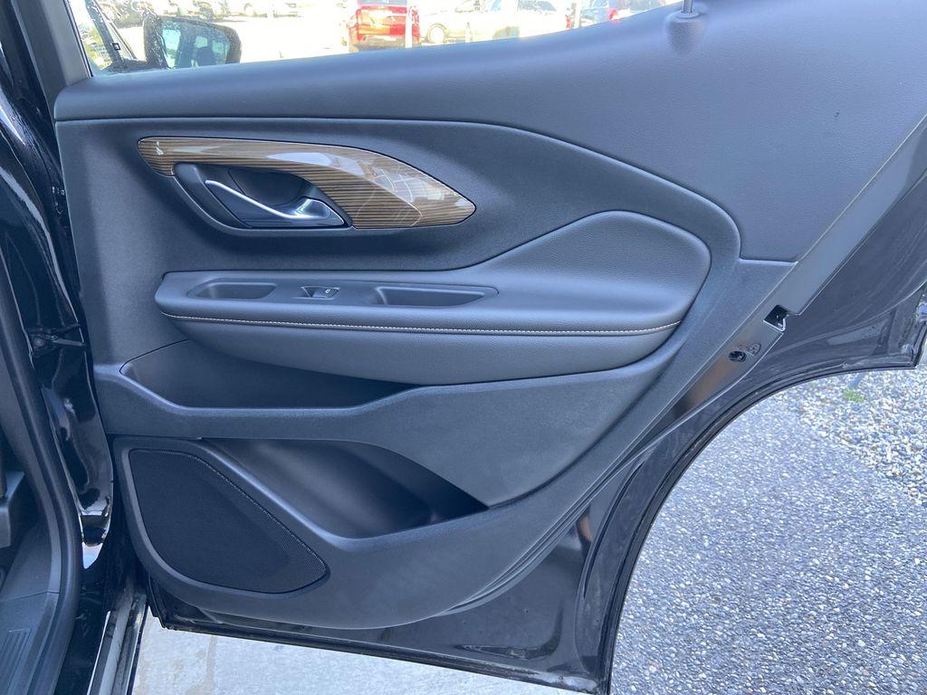 Black[Ebony Twilight Metallic] 2020 GMC Terrain SLE Right Rear Interior Door Panel Photo in Calgary AB