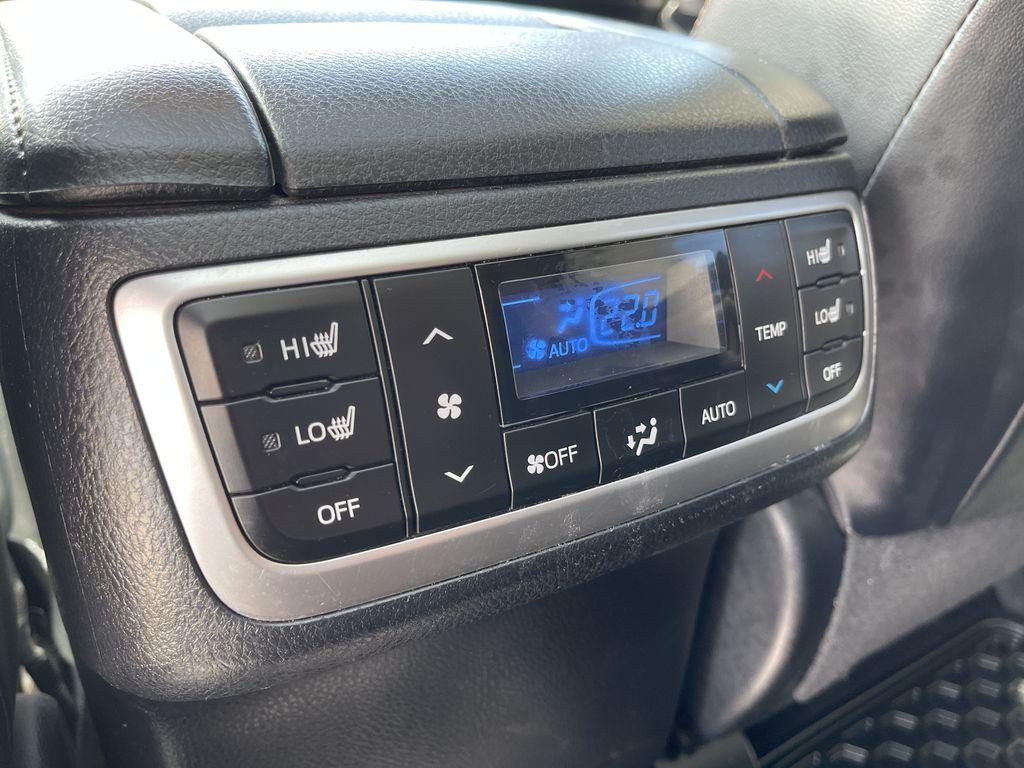White[Blizzard Pearl] 2018 Toyota Highlander Right Front Interior Door Panel Photo in Brampton ON
