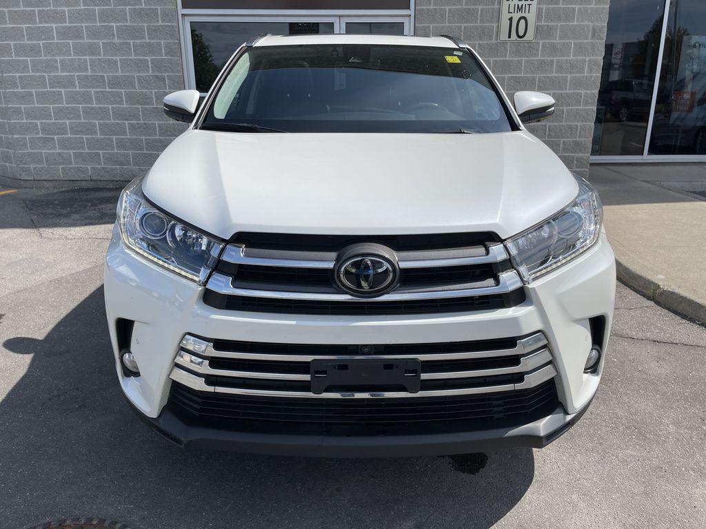 White[Blizzard Pearl] 2018 Toyota Highlander Left Side Photo in Brampton ON