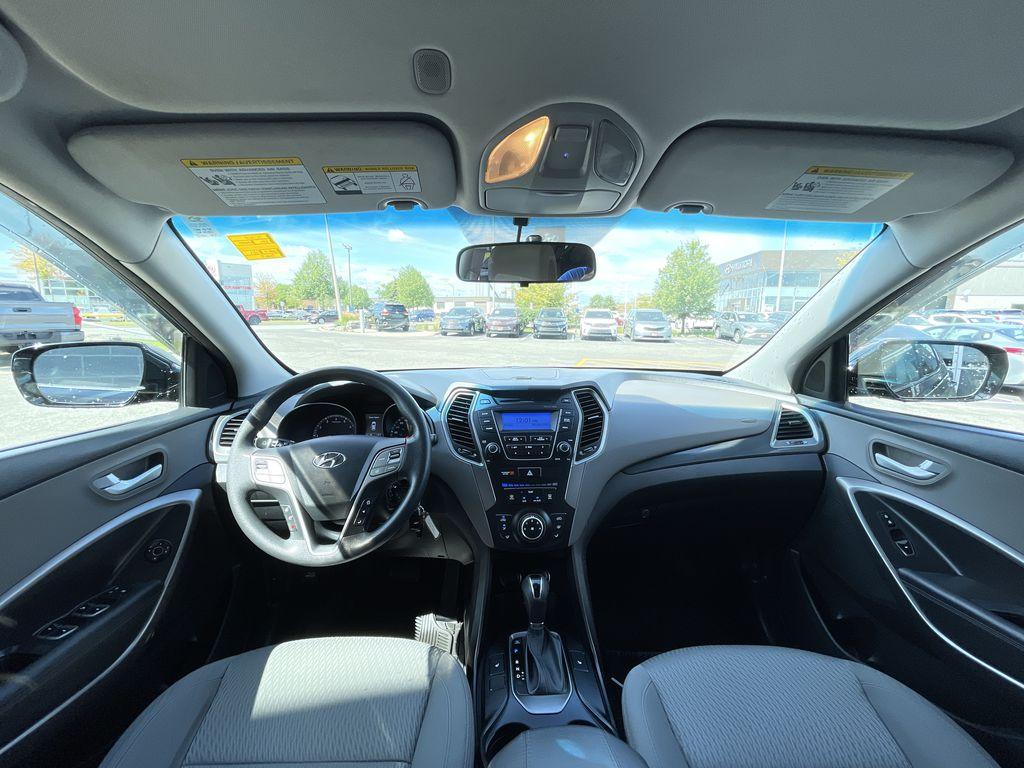 Silver[Moonstone Silver] 2015 Hyundai Santa Fe cleaned Right Rear Corner Photo in Brampton ON