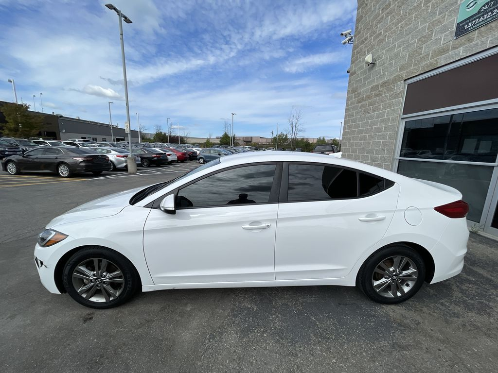 White[Polar White] 2017 Hyundai Elantra clean Left Front Rim and Tire Photo in Brampton ON