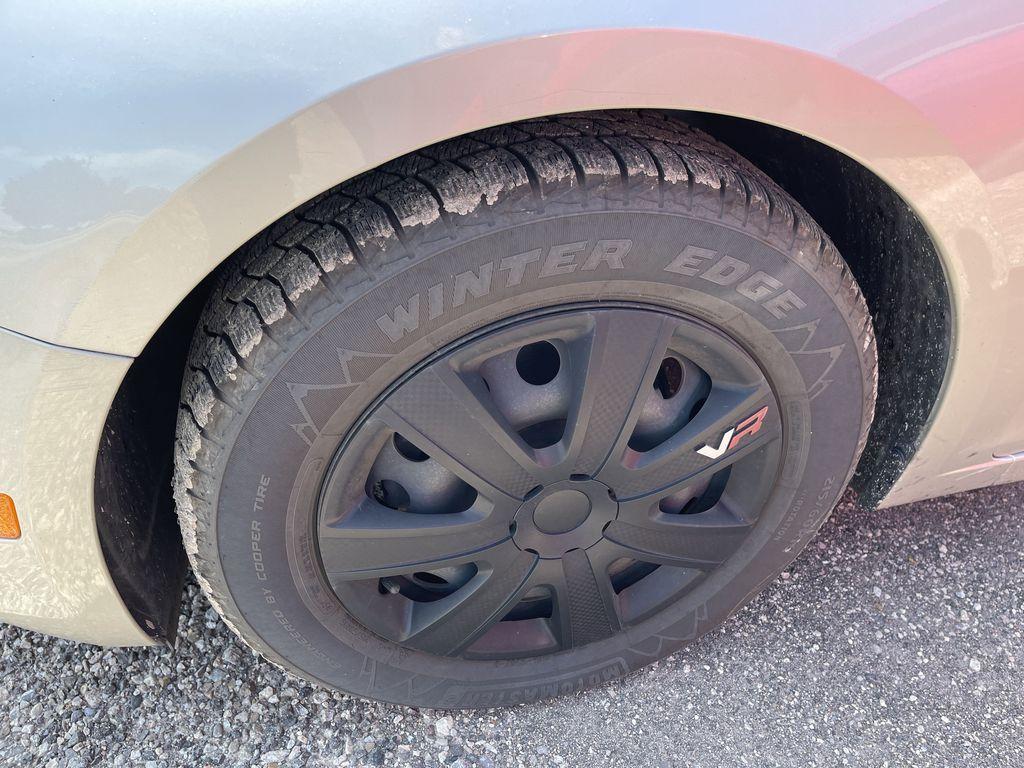 Gold[Champagne Silver Metallic] 2015 Chevrolet Cruze clean Left Front Corner Photo in Brampton ON