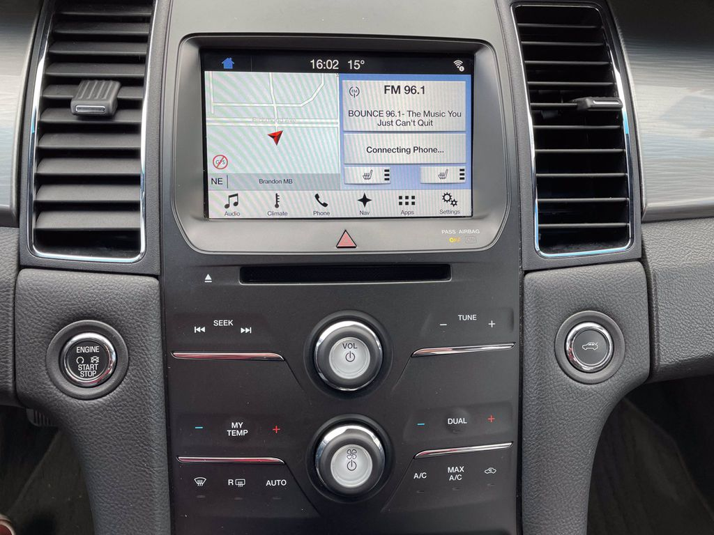 Other 2017 Ford Taurus Central Dash Options Photo in Brandon MB