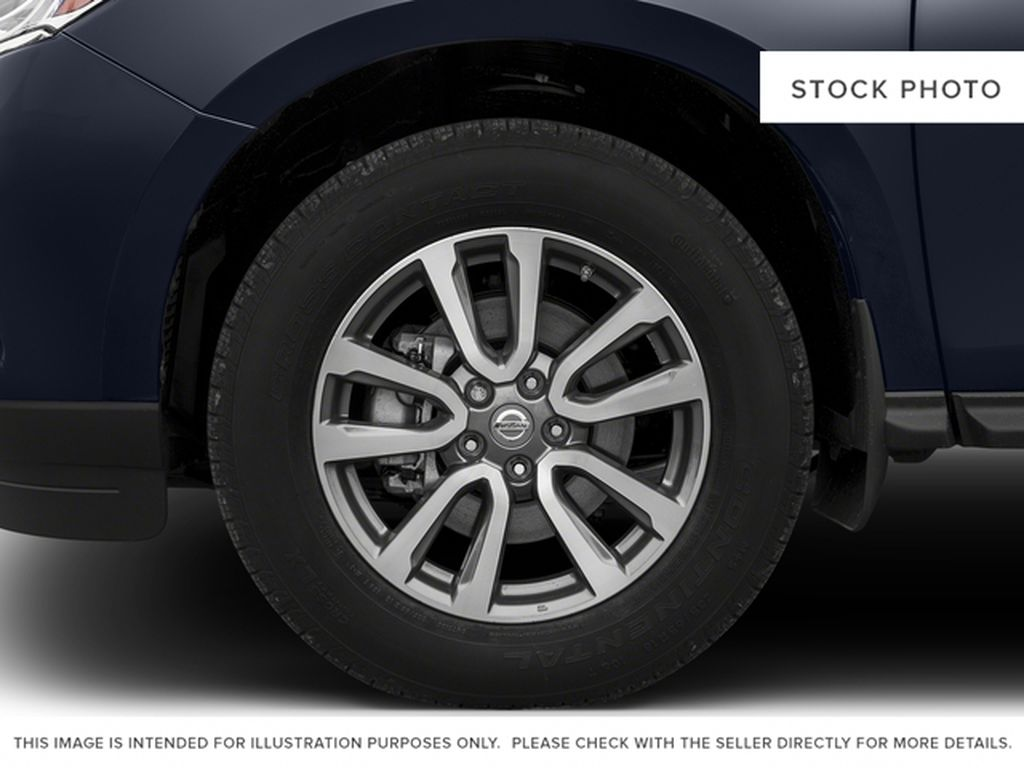 White[Pearl White] 2015 Nissan Pathfinder Left Front Rim and Tire Photo in Fort Macleod AB