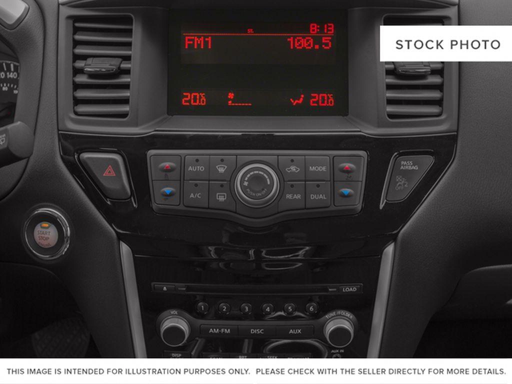 White[Pearl White] 2015 Nissan Pathfinder Radio Controls Closeup Photo in Fort Macleod AB