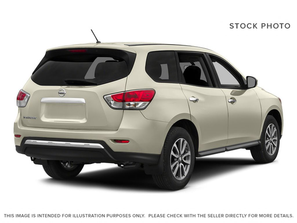 White[Pearl White] 2015 Nissan Pathfinder Right Rear Corner Photo in Fort Macleod AB