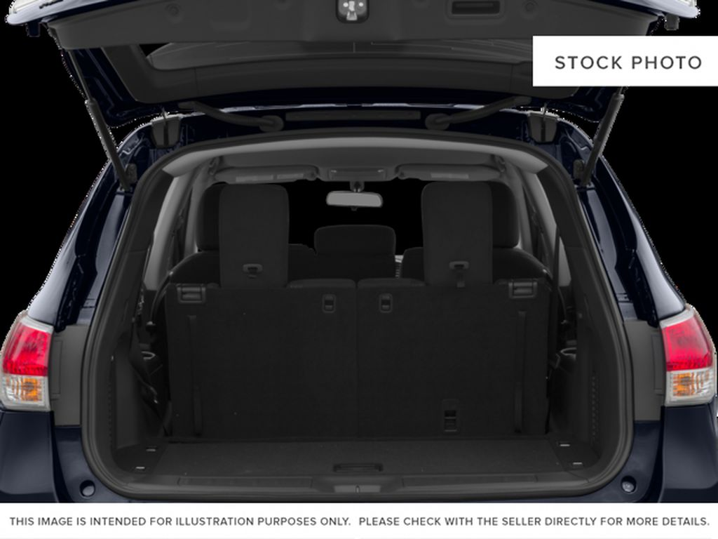 White[Pearl White] 2015 Nissan Pathfinder Trunk / Cargo Area Photo in Fort Macleod AB