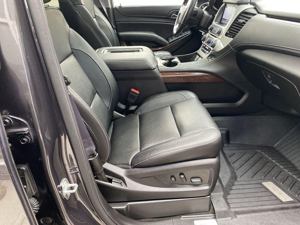 Gray[Iridium Metallic] 2017 GMC Yukon SLT Right Side Front Seat  Photo in Canmore AB