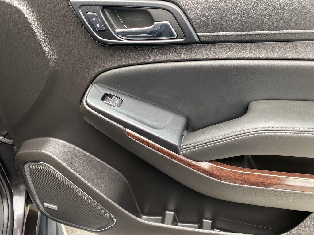 Gray[Iridium Metallic] 2017 GMC Yukon SLT Right Front Interior Door Panel Photo in Canmore AB