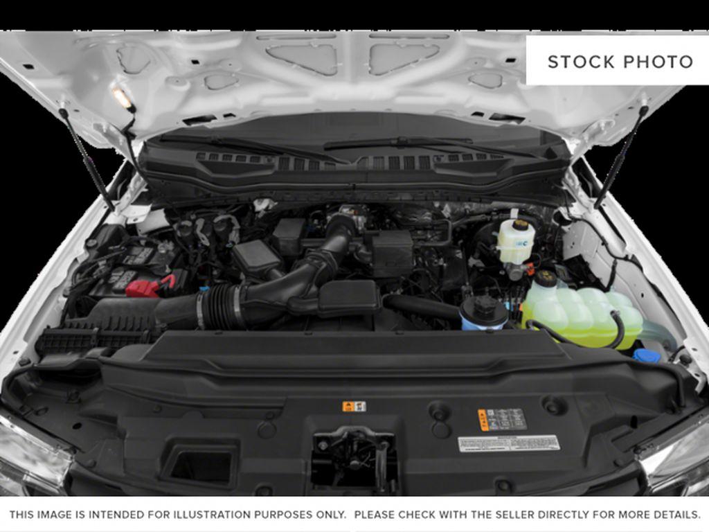 Silver[Iconic Silver Metallic] 2022 Ford Super Duty F-250 SRW Engine Compartment Photo in Dartmouth NS