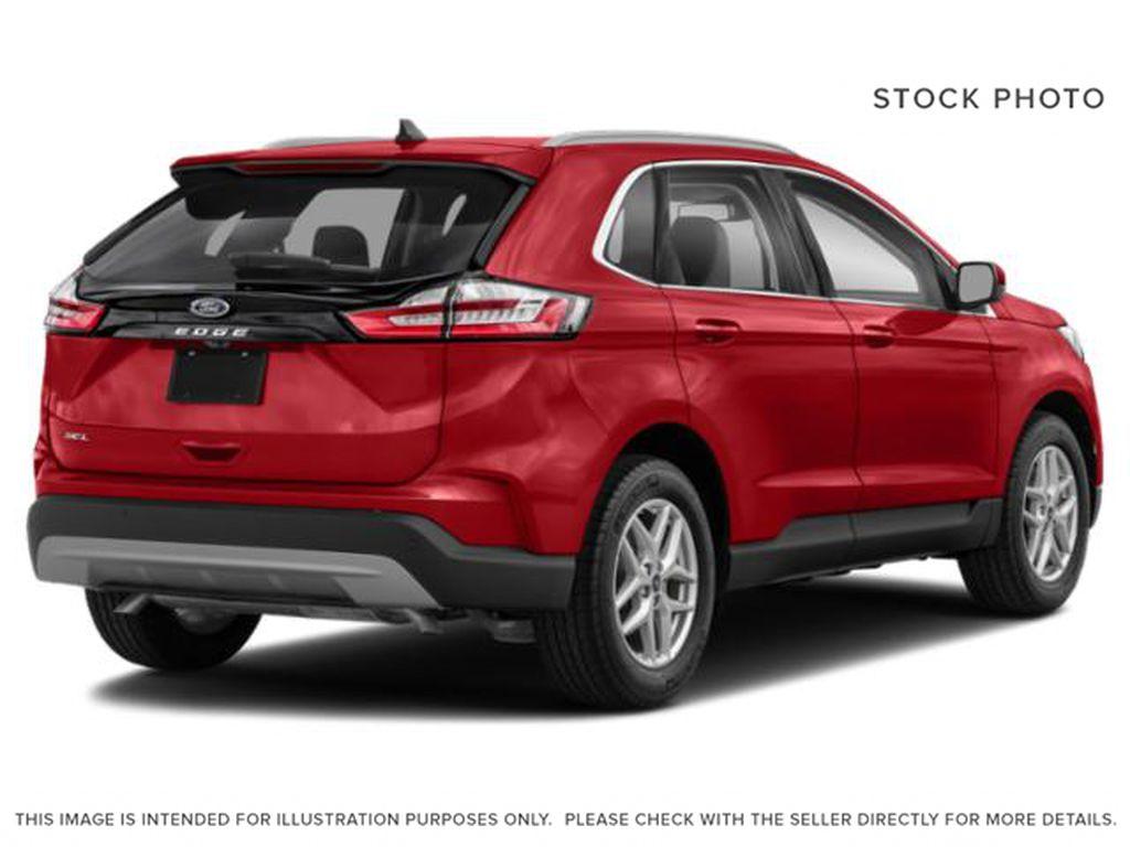 BURGUNDY VELVET MET TINTED CC 2021 Ford Edge Right Rear Corner Photo in Dartmouth NS