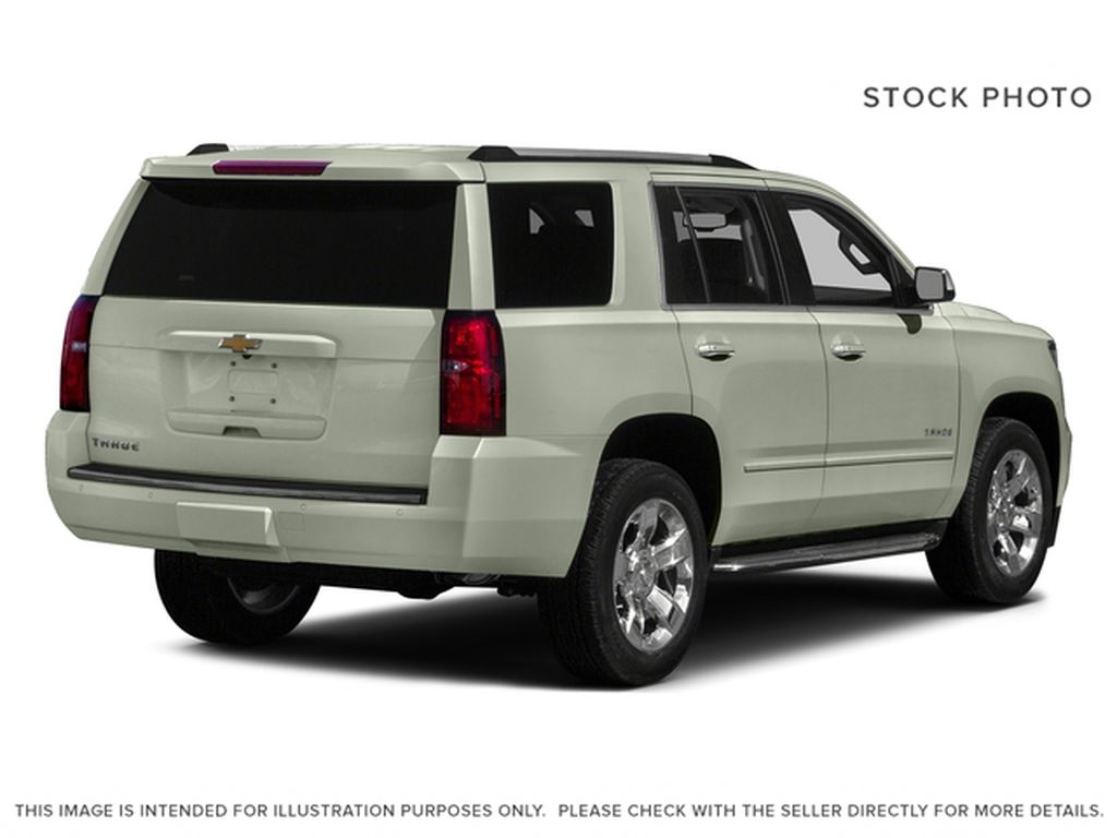 White[Iridescent Pearl Tricoat] 2017 Chevrolet Tahoe Right Rear Corner Photo in Fort Macleod AB