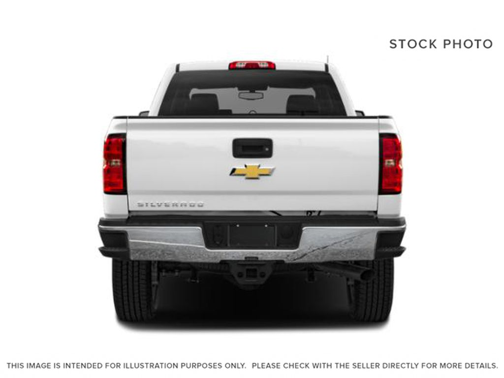 White[Iridescent Pearl Tricoat] 2019 Chevrolet Silverado 2500HD Rear of Vehicle Photo in Fort Macleod AB