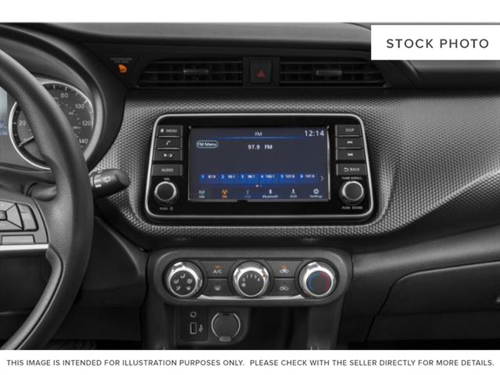 Blue[Deep Blue Pearl] 2018 Nissan Kicks Radio Controls Closeup Photo in Lethbridge AB