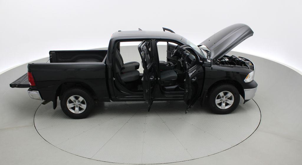 Green[Black Forest Green Pearl] 2016 Ram 1500 SXT 4WD - Crew Cab, 8 Speed Transmission, 3.6L V6 Right Side Photo in Winnipeg MB