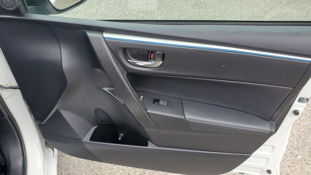 White[Alpine White] 2016 Toyota Corolla Right Front Interior Door Panel Photo in Kelowna BC