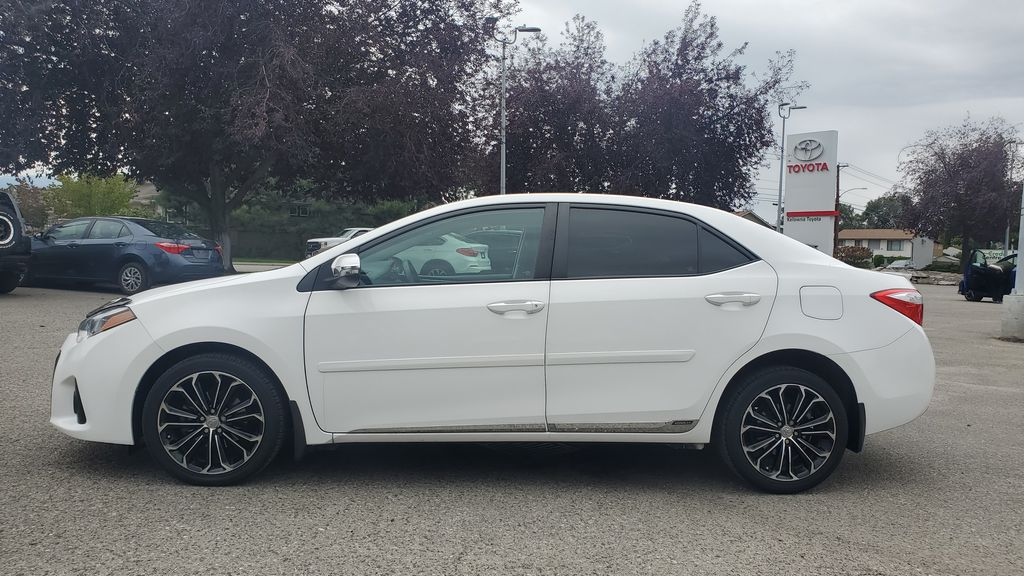 White[Alpine White] 2016 Toyota Corolla Left Side Photo in Kelowna BC