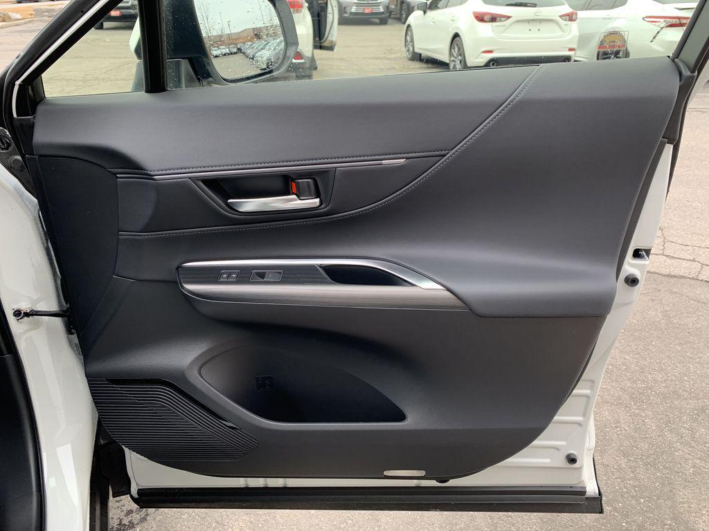 White[Blizzard Pearl] 2021 Toyota Venza XLE Package AVENBC AA Odometer Photo in Brampton ON