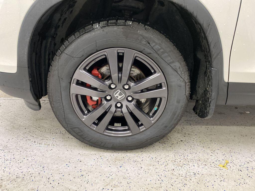 2017 Honda Ridgeline Left Front Rim and Tire Photo in Dartmouth NS