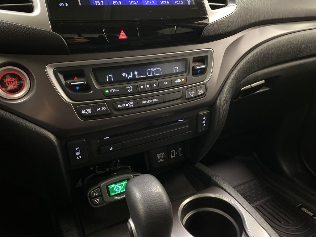 2017 Honda Ridgeline Central Dash Options Photo in Dartmouth NS
