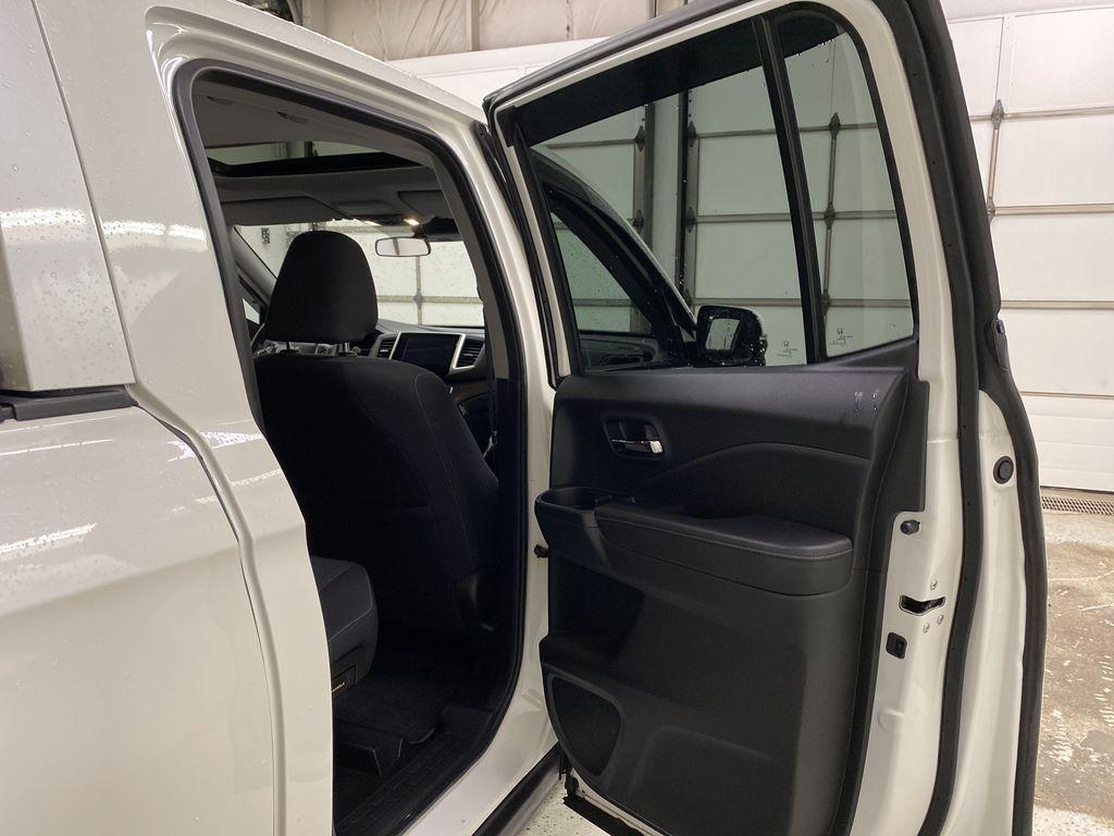 2017 Honda Ridgeline Right Rear Interior Door Panel Photo in Dartmouth NS