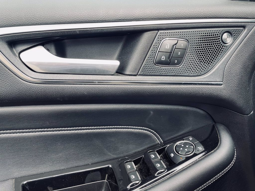 Black[Agate Black] 2019 Ford Edge Left Rear Interior Door Panel Photo in Brandon MB