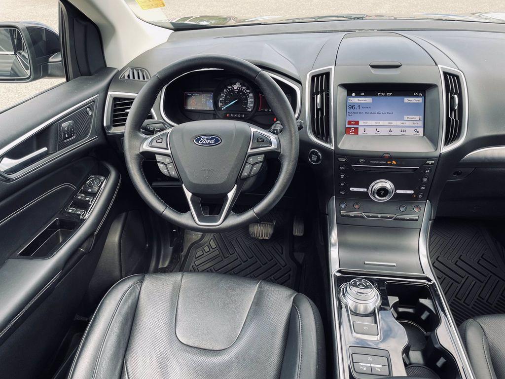Black[Agate Black] 2019 Ford Edge Left Side Photo in Brandon MB
