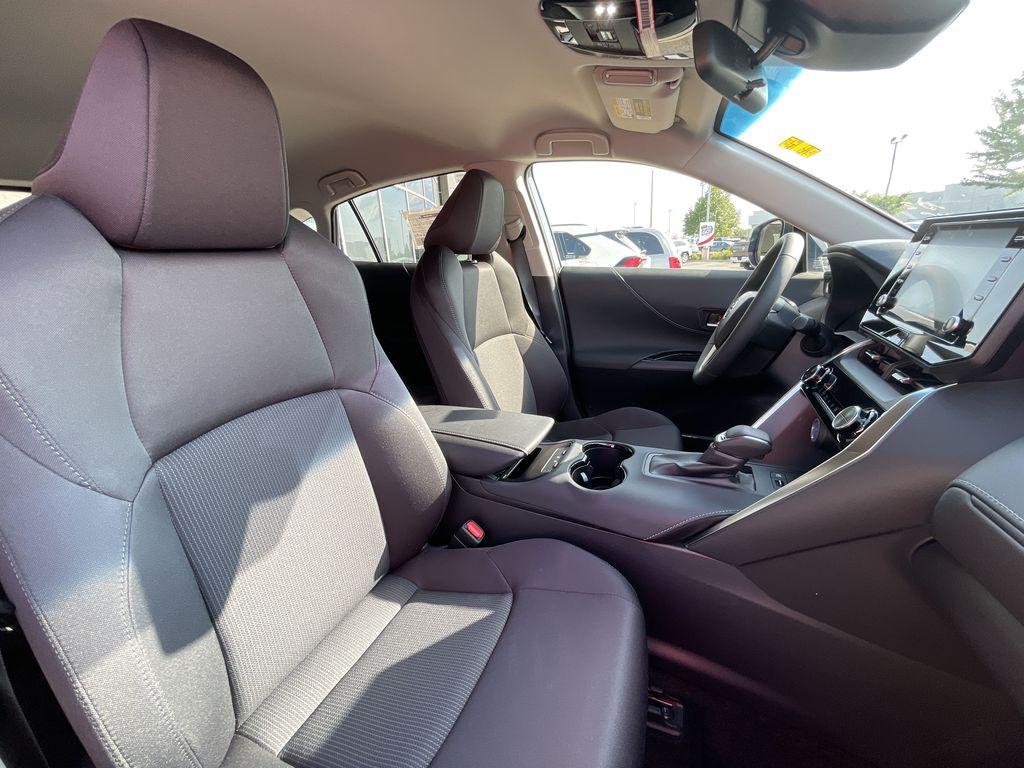 Gray[Coastal Gray Metallic] 2021 Toyota Venza AWD LE Package AVENAC AM Additional Photo 1 in Brampton ON