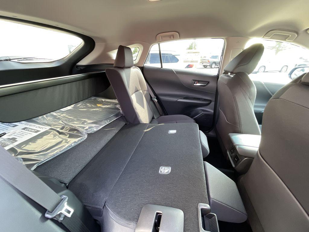 Gray[Coastal Gray Metallic] 2021 Toyota Venza AWD LE Package AVENAC AM Additional Photo 3 in Brampton ON